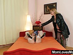 Amateur, Dildo, Amateur mom seduce girl