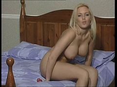 Bionda, Mutandina, Equitazione, Collant, Dildo, Webcam riding huge dildo