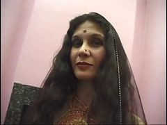 Whore, Indian, Mature, Shakeela the indian muture aunty seduced younger