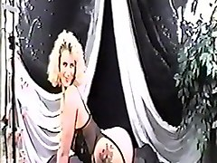 Blonde, Pregnant milk solo