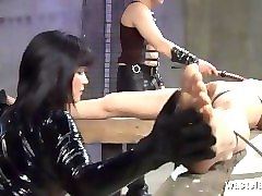 Slave, Rubber encased slave on the table